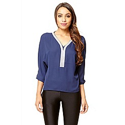 Quiz - Navy diamanté v neck bubble top