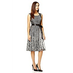 Quiz - Black and white ribbon flower dress