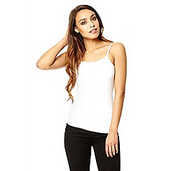 Quiz - White stretch silver strap vest