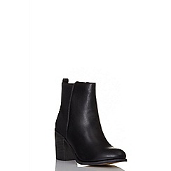 Quiz - Black pu ankle boots