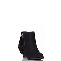 Quiz - Black fringe ankle boots