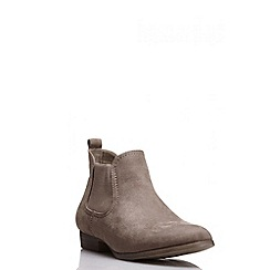 Quiz - Taupe faux suede ankle boot