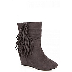 Quiz - Grey fringe wedge boot