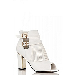 Quiz - White tassel shoe boots