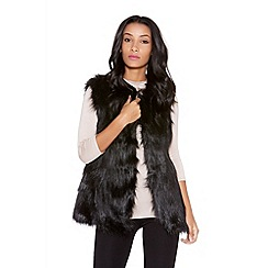 Quiz - Black sleeveless faux fur gilet