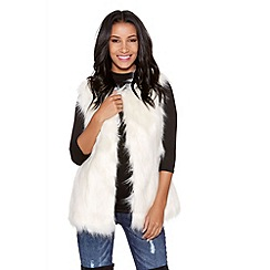 Quiz - Cream sleeveless faux fur gilet
