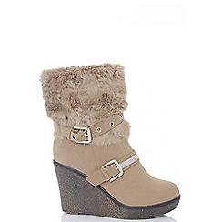 Quiz - Beige Fur Diamante Eyelet Wedge Boots