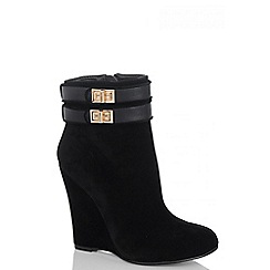 Quiz - Black Faux Suede Gold Buckle Wedge Ankle Boots