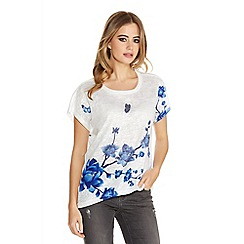 Quiz - White And Blue Flower Print Diamante Top