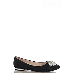 Quiz - Black Shimmer Brooch Pumps