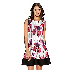 Quiz - White And Pink Tulip Panel Skater Dress