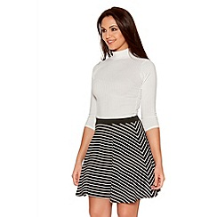 Quiz - Black And White Crepe Stripe Skater Skirt