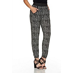 Quiz - Black And Cream Scratch Print Harem Trousers