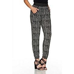 Quiz - Black And Cream Scratch Print Harem Trousers