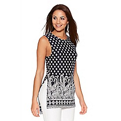 Quiz - Navy And White Tile Print Sleeveless Split Top