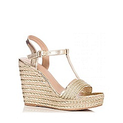 Quiz - Gold Stripe T-Bar Wedges