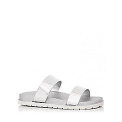 Quiz - Silver Strap Flat Sandals
