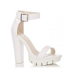 Quiz - White PU Chunky Block Heel Shoes