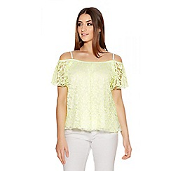 Quiz - Cream And Lime Lace Off Shoulder Top