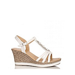 Quiz - White Pearl And Diamante Wedges