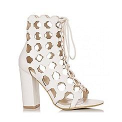 Quiz - White Cut Out Block Heel Shoes