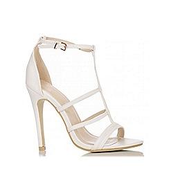 Quiz - White Strap T Bar Heel Sandals