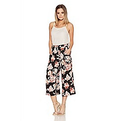 Quiz - Black And Wine Crepe Rose Print Culotte Trousers