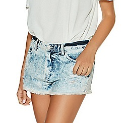 Quiz - Light Blue Acid Wash Ripped Hot Pants