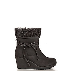 Quiz - Black Knit Ankle Trim Wedge Boots