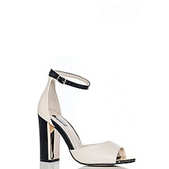 Quiz - Nude And Black Block Heel Shoes