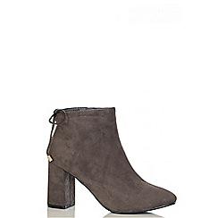 Quiz - Grey Faux Suede Block Heel Ankle Boots