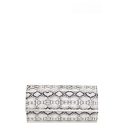 Quiz - White And Black Snake Print Clutch Bag