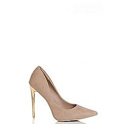 Quiz - Nude Faux Suede Gold Heel Court Shoes