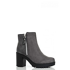 Quiz - Grey Chunky Heel Ankle Boots