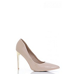 Quiz - Nude Patent Gold Trim Court Shoes