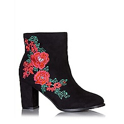 Quiz - Black and red faux suede embroidered ankle boots