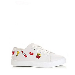 Quiz - White polyurethane embroidered trainers