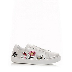 Quiz - Silver shimmer embroidered trainers