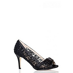 Quiz - Black sequin lace court shoes