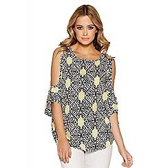 Quiz - White and black aztec print cold shoulder top
