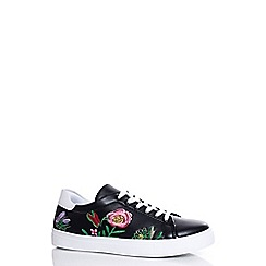 Quiz - Black flower embroidered trainers