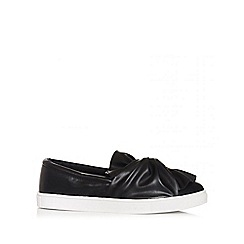 Quiz - Black twist skater trainers