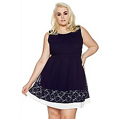 Quiz - Curve navy and white lace hem skater dress