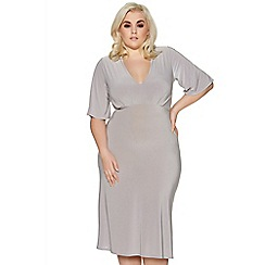 Quiz - Curve grey pleated v neck midi dress