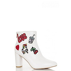 Quiz - White polyurethane patchwork embroidered ankle boots
