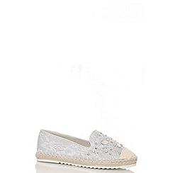 Quiz - Grey lace diamante hessian trim pumps