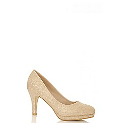 Quiz - Gold shimmer courts