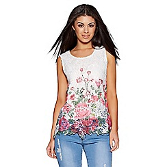 Quiz - White Crochet Flower Print Sleeveless Top