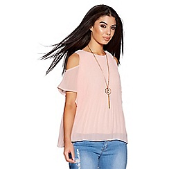 Quiz - Pale pink pleated chiffon cold shoulder top
