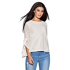 Quiz - White lace 3/4 bell sleeves top